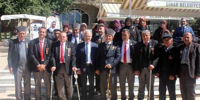 Başkan Acar Gazi ve Şehit Ailelerini Ağırladı