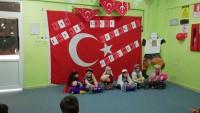 Minik Öğrenciler Çanakkale Zaferi'ni Kutladı