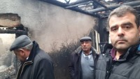 Ilıca Mahallesinde Bir Ev Küle Döndü