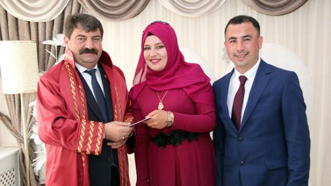 Belediye Başkanı Nihat Sarı İlk Nikahını Kıydı