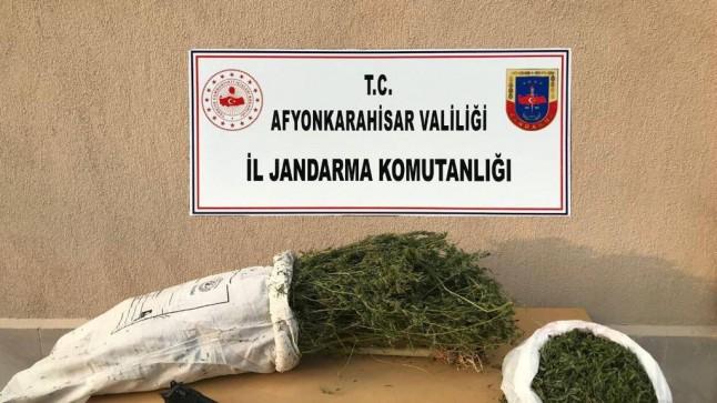 Dinar'da 2 Kiloya Yakın Uyuşturucu Yakalandı