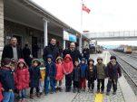 Menderes'in Minikleri Tren Garını ve İtfaiye Müdürlüğünü Gezdi